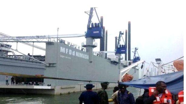 Floating-dry-dock